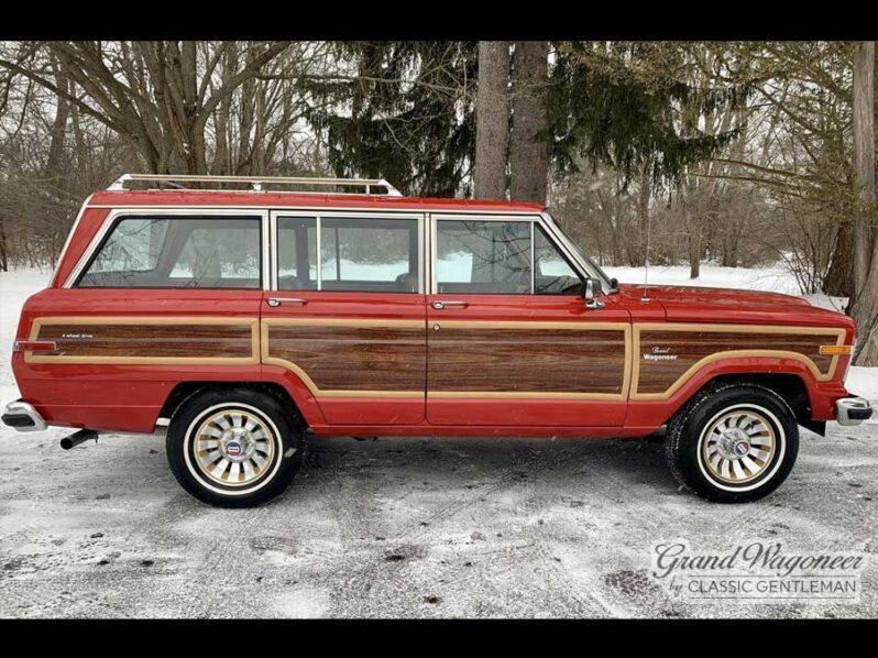 1984 Jeep Grand Wagoneer full