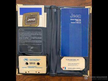 1986 Jeep Grand Wagoneer full