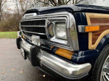 1987 Jeep Grand Wagoneer full