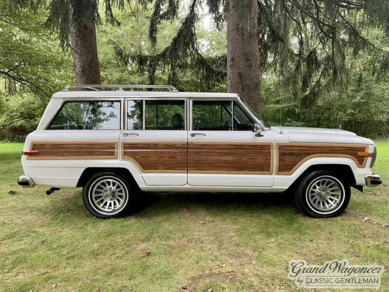 1988 Jeep Grand Wagoneer full